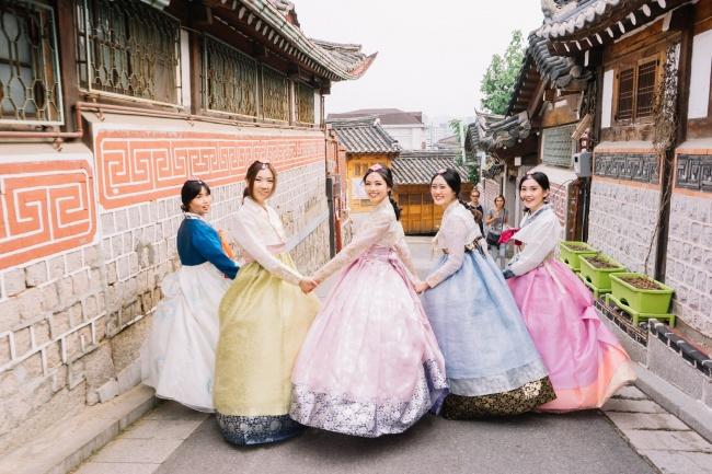 ve-may-bay-ha-noi-di-seoul-air-asia-gia-re-10-18-2018-1