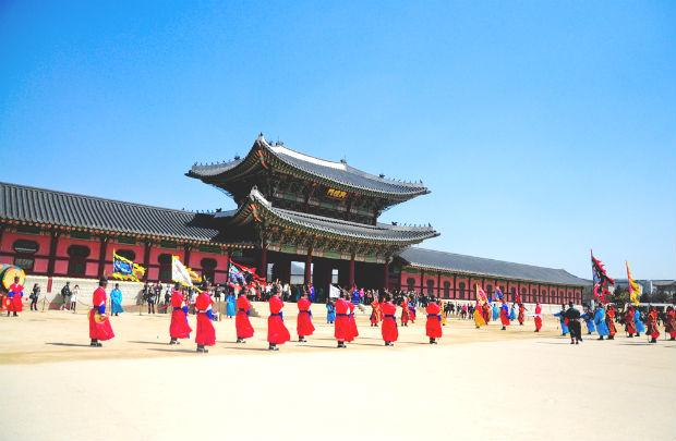 ve-may-bay-ha-noi-di-seoul-air-asia-gia-re-18-10-2018-5